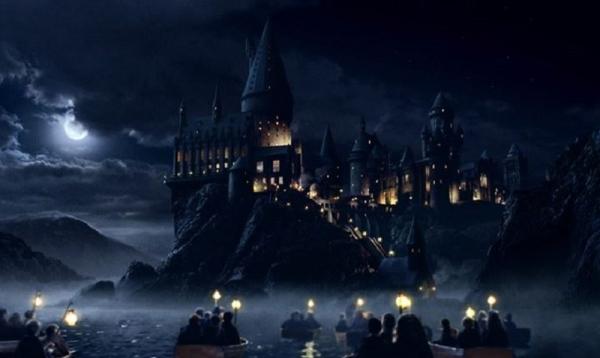 635858907825037917505879172_hogwarts-school